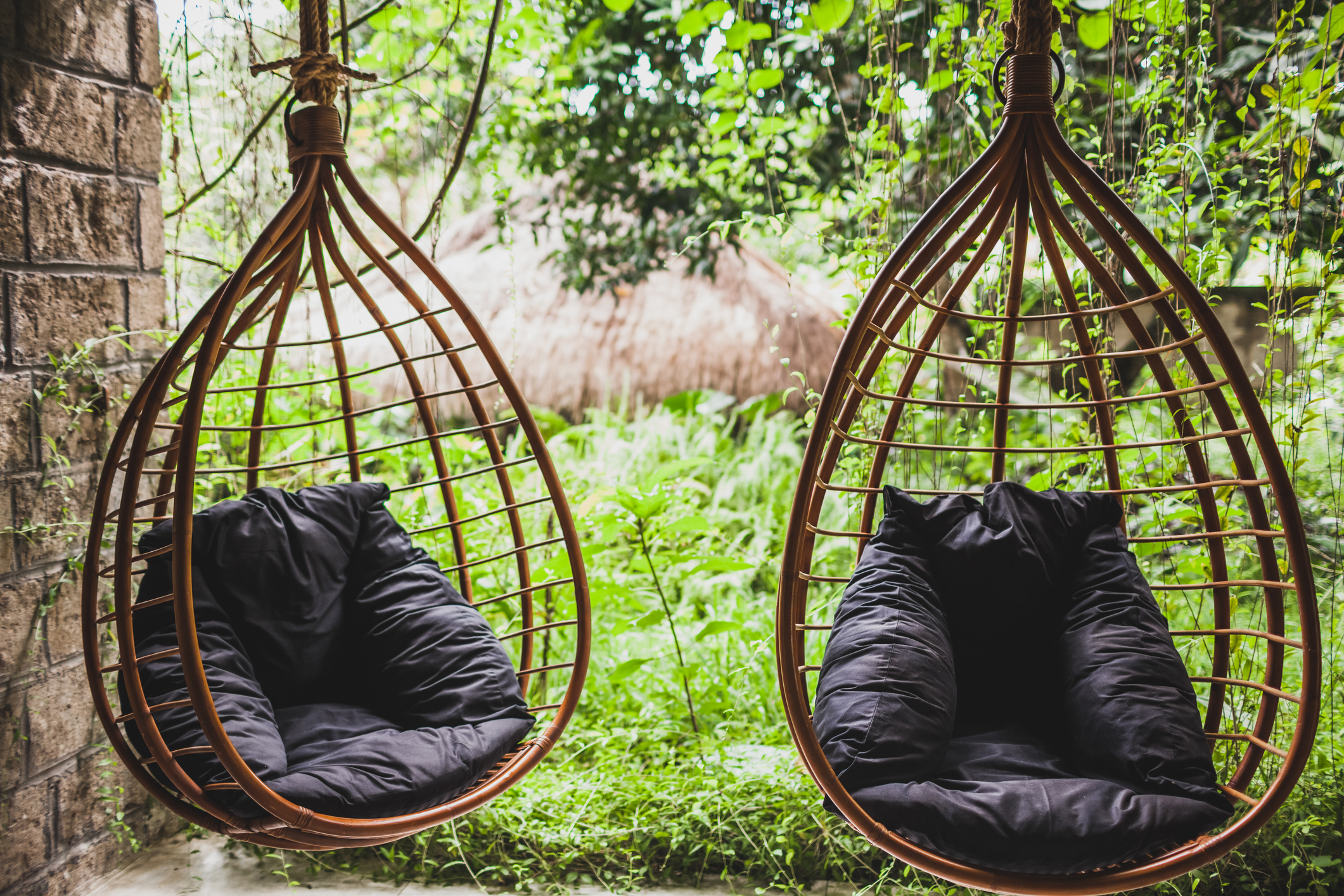 Like Swinging On A Cloud Why You Ll Love These Hanging Egg Chairs